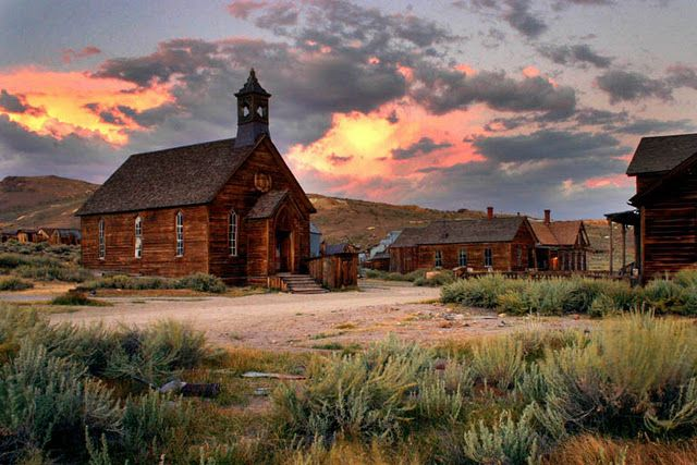 Ghost town of Bodie, California. All this needs is the Man with No Name to wander through. #ruins