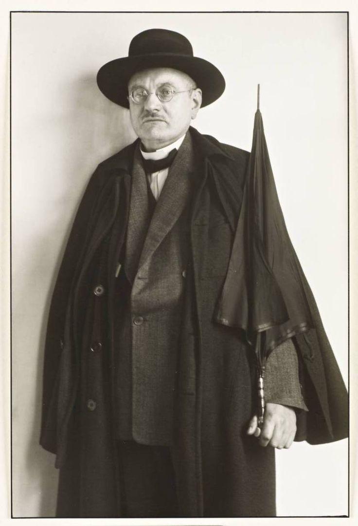 Un démocrate, membre du Parlement de la République de Weimar, 1927.