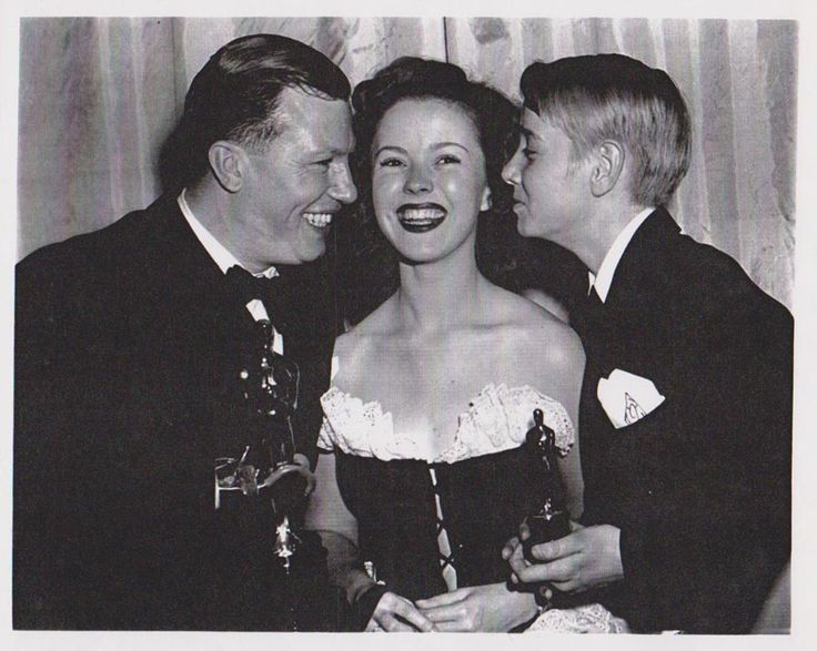 1947 Shirley Temple, Harold Russell & Claude Jarman, Jr. at the Academy Awards