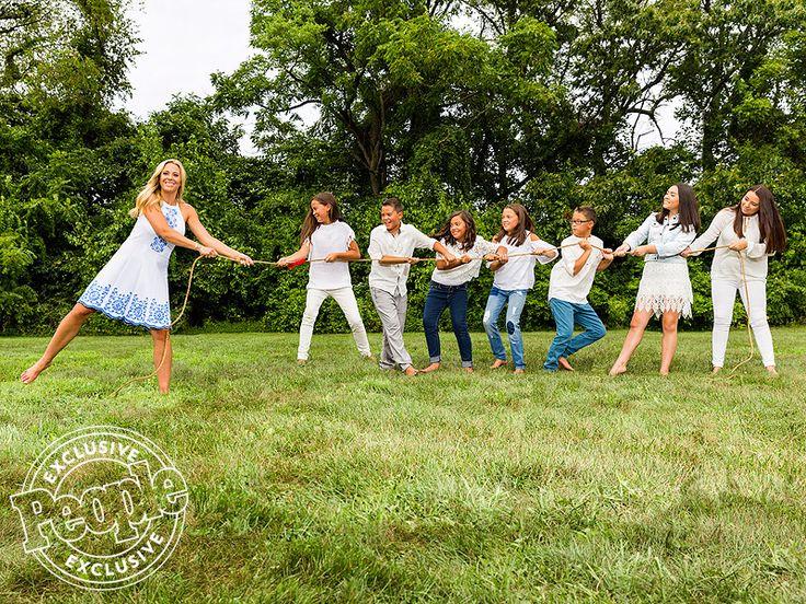 From left: Kate, Leah, Joel, Hannah, Alexis, Aaden, Mady and Cara Gosselin