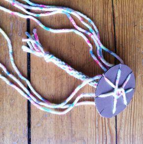 Schlüsselanhänger, Geschenkband oder als Deko-Idee: So leicht können Sie eine Kordel selber knüpfen