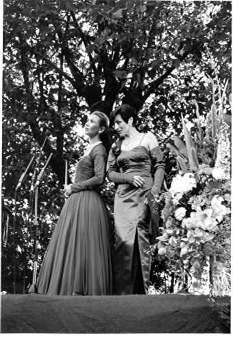 PH 9214. Opera in the Park, performing in Victoria Gardens, Prahran, March 1994.
