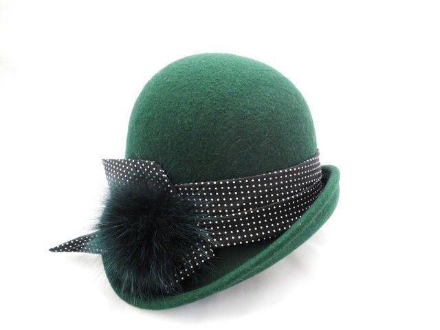 Chapeau+cloche+année+20,+feutre+de+laine+moulé,+pompon+en+poil+de+renard.+