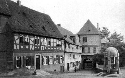 Alt Hoechst Schlossplatz