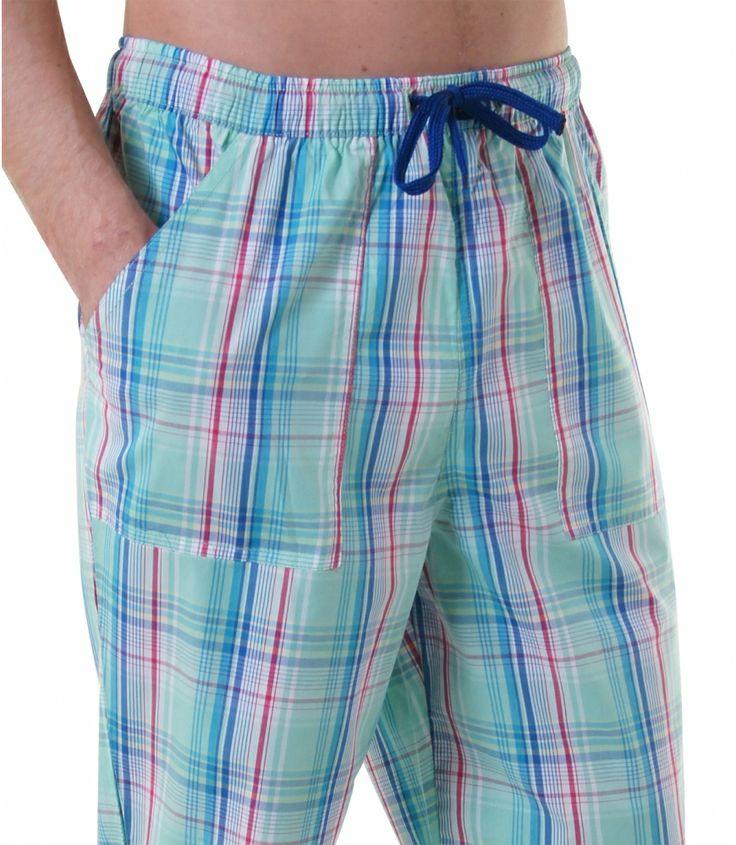 Bequem & stylish - mit den brandneuen Pyjamahosen von DEAL kein Widerspruch.  Die behagliche Baumwolle und der lässige Schnitt mit langem Bein und aufgenähten Taschen lassen diese Pyjamahose zum Wohlfühl-Erlebnis werden. Für weitere Infos: http://www.boxxers.de/DEAL-Homie-Karos-multicolor_2