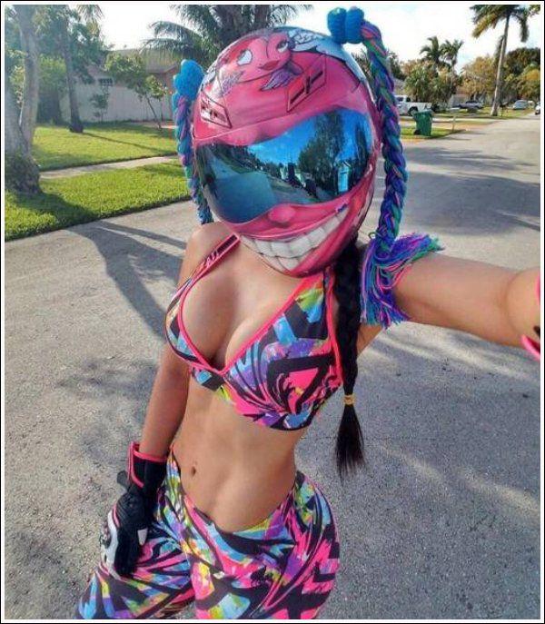 Images insolites et drôles #249 | Images Drôles & Fun | Fille à moto tout terrain, Bikeuse et ...