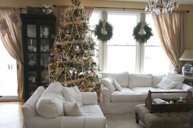 will put wreaths on the inside windows next year...Living Room