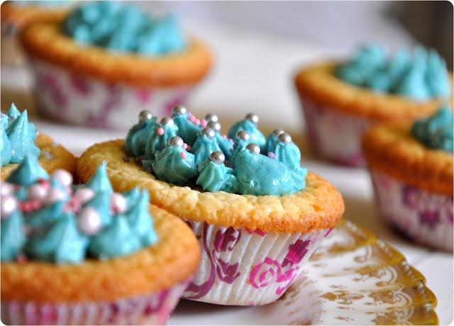 Kokos-Cupcakes mit weißer Schokolade #Rezept