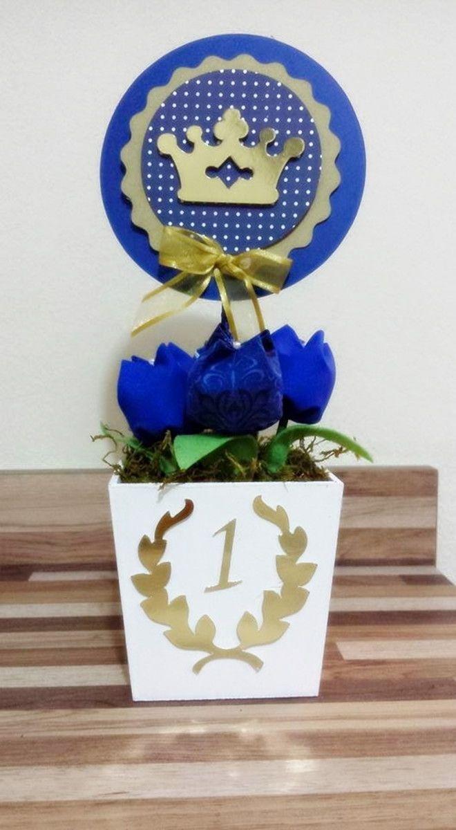 Cachepo de mdf pintado 9x9cm, 4 tulipas de tecido, topper medindo 12cm de diâmetro. Altura total do centro: 30cm