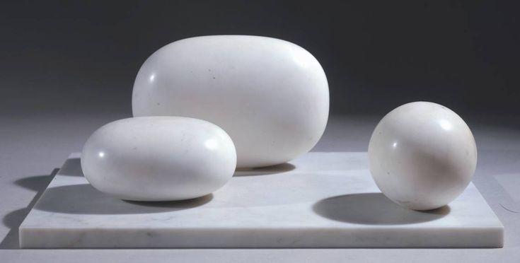 Barbara Hepworth, Three Forms, 1935
