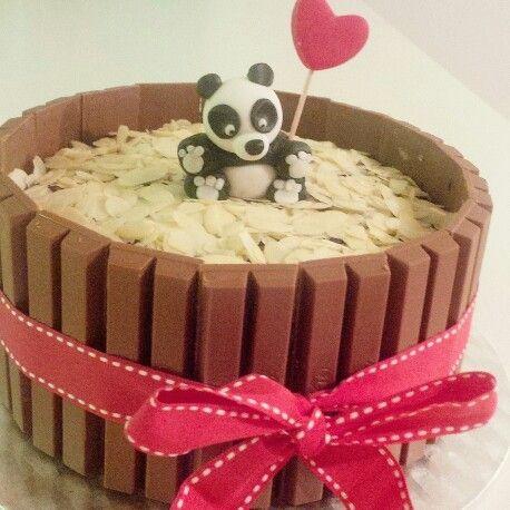 Kitkat cake #homemade #cake #kitkat #panda