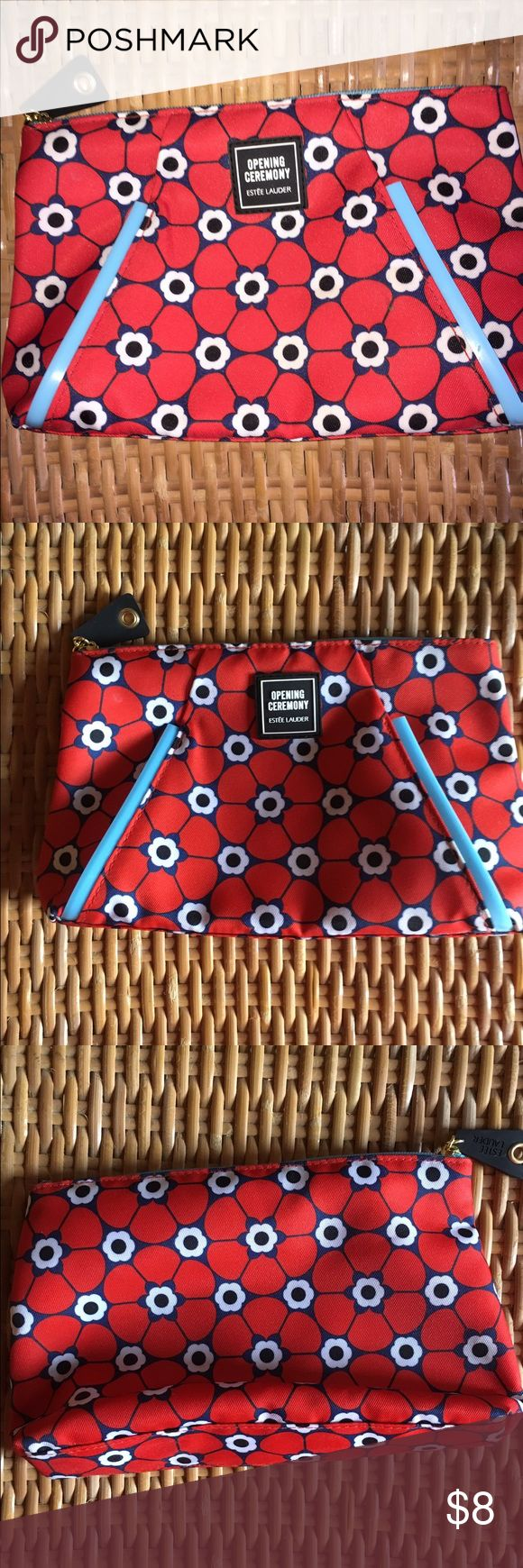 Estée Lauder A never used Estée Lauder cosmetics bag with a cute and colorful design! Make an offer, from a smoke free home 💞 Estee Lauder Bags Cosmetic Bags & Cases