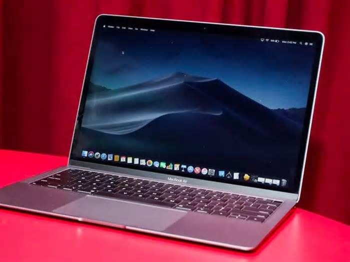 Black Friday 2019 Macbook Deals The 2019 Macbook Air Is 800 At Amazon Amazonnews Amazonnewsletter News Viraldevi Pinn Macbook Deals Macbook Macbook Air