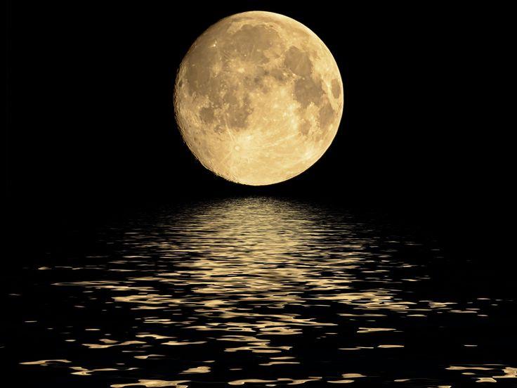 C'est une Lune comme on en voit peu qui illuminera le ciel lundi 14 novembre 2016. La NASA a en effet annoncé une nouvelle super Lune, plus imposante et brillante que d'ordinaire.