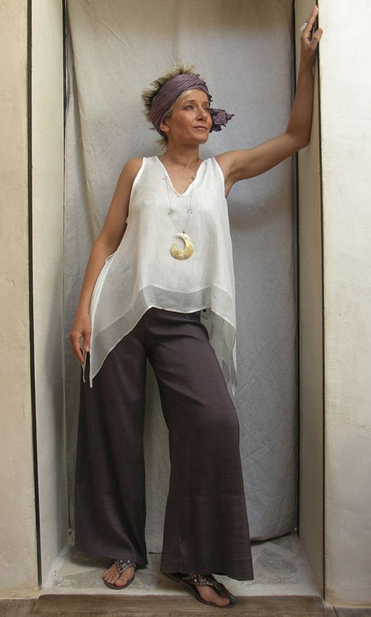 Top double white silk veilSilk shantung pants    Amalthee-creations.com