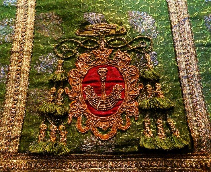 Detail of a chasuble established by Jakub Zadzik, Bishop of Kraków by Anonymous from Poland and Italy, 1635-1640, Muzeum Skarbca Katedralnego im. Jana Pawła II w Krakowie