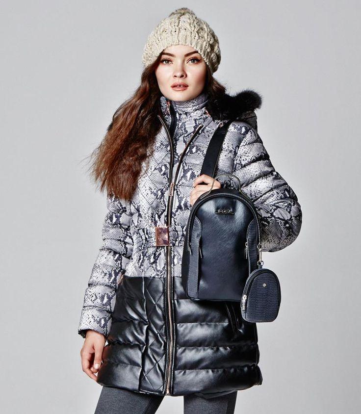 Γυναικείο μπουφάν, αποτελεί την τελική πινελία στο outfit μας, τους χειμερινούς μήνες!  https://www.doca.gr/en/fall-winter-15-16/clothes/puffer-jackets-fw15/36700-black-animal-print-jacket-detail.html