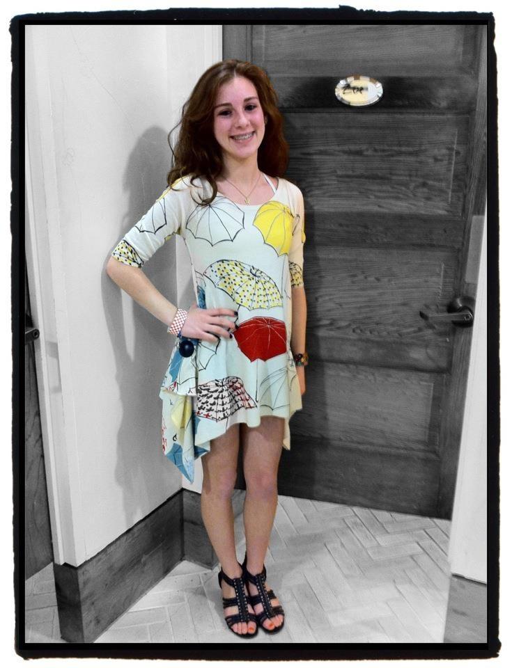 A lovely girl in Anthropologie umbrella dress.