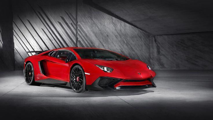 Superveloce は、強化 V12 吸気エンジン、超軽量に適応させたエンジニアリングソリューション、マグネト・レオロジカル・プッシュロッド・サスペンションやランボルギーニ・ダイナミック・ステアリングなどの一連の最新技術を駆使し、超スポーティなDNAを持ったランボルギーニの車として開発されました。