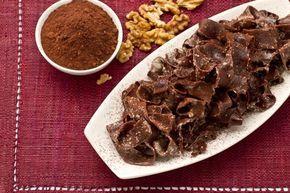 Le tagliatelle al cacao, noci e gorgonzola sono un primo piatto particolare ed originale da proporre durante le occasioni speciali!