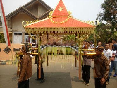 Knowledge/Traveling/Adventure: Pakaian Budaya Jawa pada 1001 Tumpeng di Wisata An...