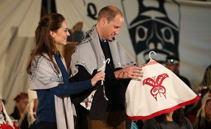 Kate draagt 12 jaar oude laarzen tijdens Royal Canada Tour