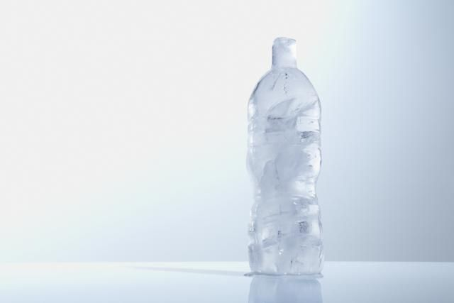 9 Worst Science Mistakes in Movies: Water Changes Volume When It Freezes Into Ice