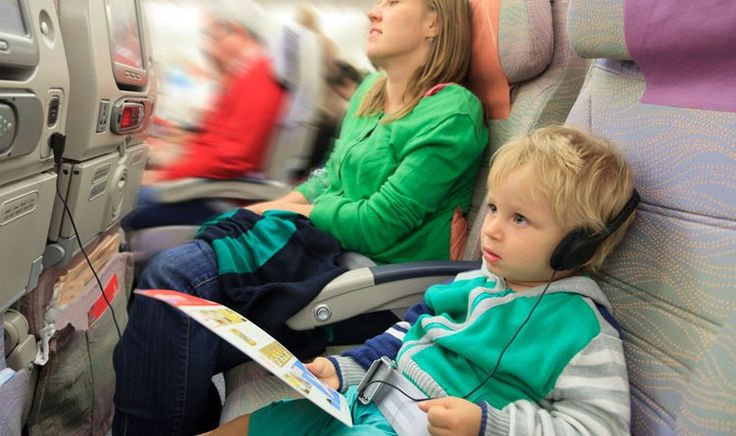 10 top tips for travelling with kids http://thefitbusymum.com.au/10-tips-plane-trips-kids/