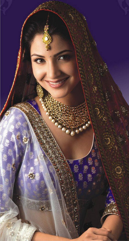 Anushka Sharma in Indian bridal wear.... I think Indian women are so pretty