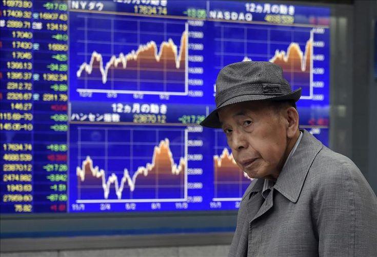 El Nikkei sube un 0,76 por ciento al cierre  Leer más:  El Nikkei sube un 0,76 por ciento al cierre - elEconomista.es  http://www.eleconomista.es/mercados-cotizaciones/noticias/6612583/04/15/El-Nikkei-sube-un-076-por-ciento-al-cierre.html#Kku8VReDjXtQedwm