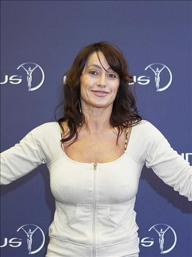 Nadia Comaneci Biography