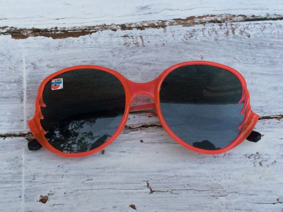 Salmon pink Vintage Women's Sunglasses Round by SunnyLittleShop