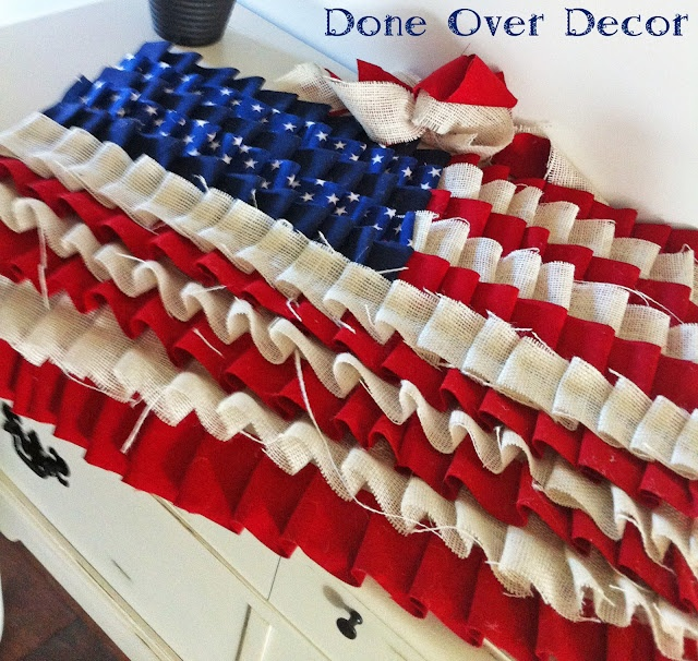 Done Over Decor - Ruffle American Flag!Flags Decor, Burlap Flag, No Sewing, American Flags, 4Th Of July, Ruffles Flags, July Ruffles, Trees Skirts, Independence Day