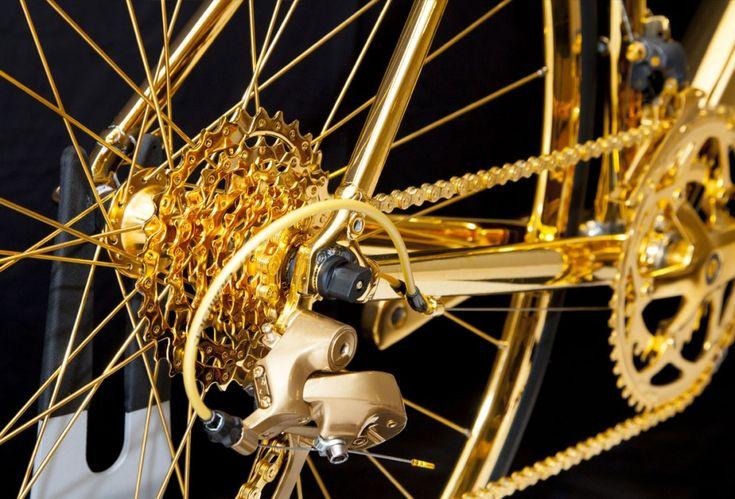 GoldGénie, un vélo complètement recouvert de dorure !