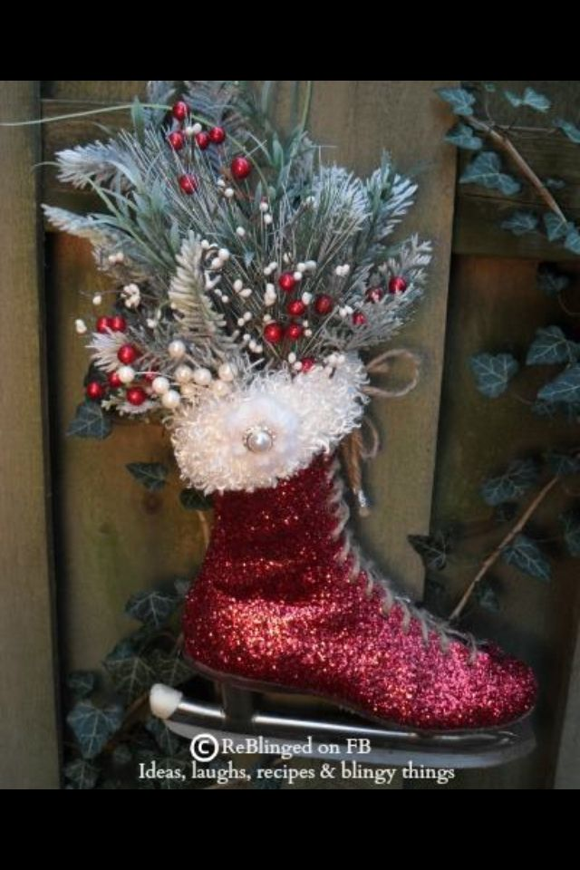 Vintage Christmas Craft Ideas Part - 48: Looks Like Someone Glittered Up An Old Ice Skate, Glued On A Fake Fur Top  And Filled Up With Beautiful Christmas Greeneries And Pinecones.