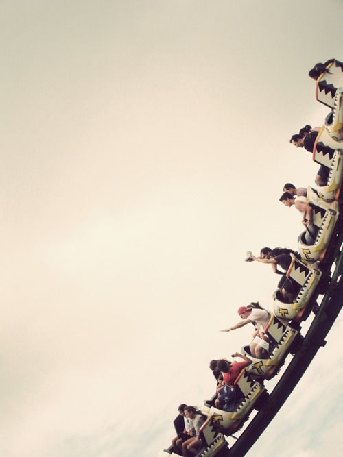 roller coasters scare me, but this is a fantastic photograph.