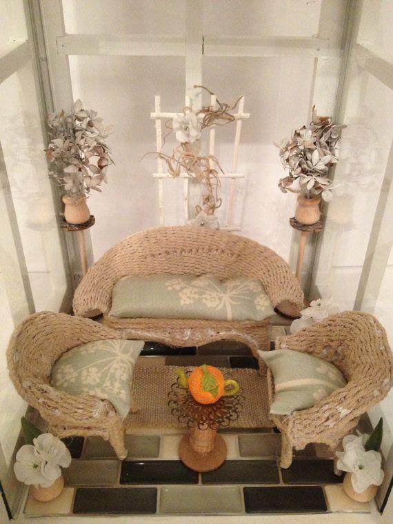 Oltre 25 fantastiche idee su mobili di vimini su pinterest - Bagno in miniatura ...
