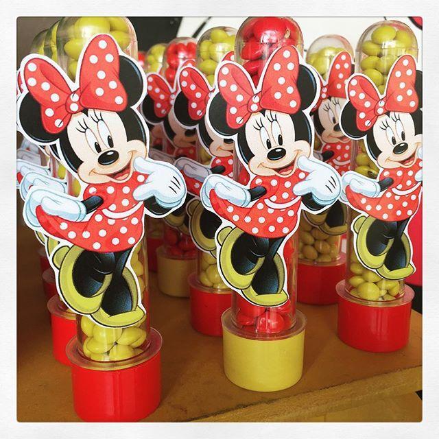 Ainda no tema Minnie, olha os nossos personalizados na festa da Helena! #Minnie #tubetes #personalizados #lembrancinhas #loja #ratchimbum #ratchimbumemnovoendereco #novaodessa