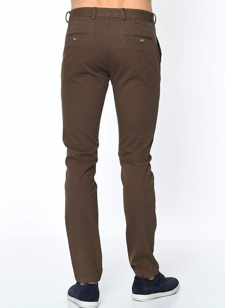 Стильные мужские зауженные брюки коричневого цвета из натурального хлопка