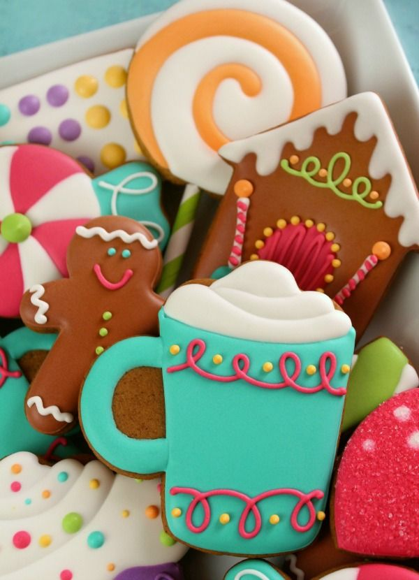 Decorated candy cookies and free Kopykake template Sweet Sugarbelle & Southern Blue Celebrations: Christmas Cookie Ideas