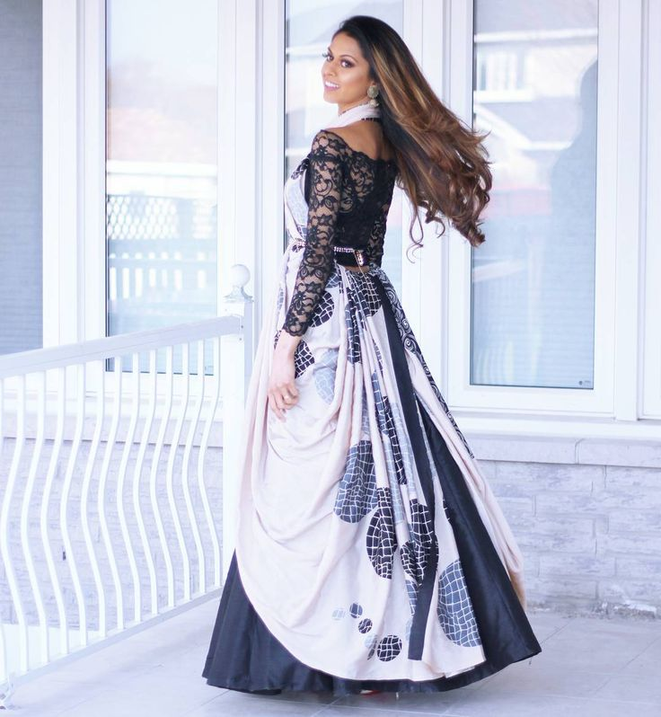 Amazing Saree draping style by Tia Bhuva #Cancansaree | Tikli.in - Fashion Trends, Sarees, Brands, Reviews, Designer collections, Bollywood and More