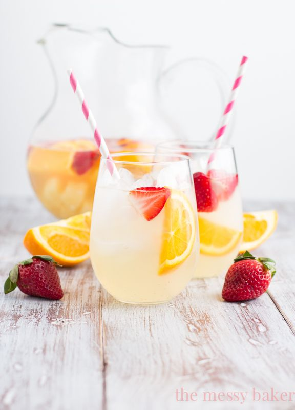 Fruity Pineapple Sangria | www.themessybakerblog.com