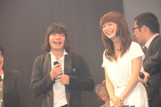 加藤ミリヤ&峯田和伸、映画イベントで「愛を叫びに来ました!」(画像 35/43) - 音楽ナタリー