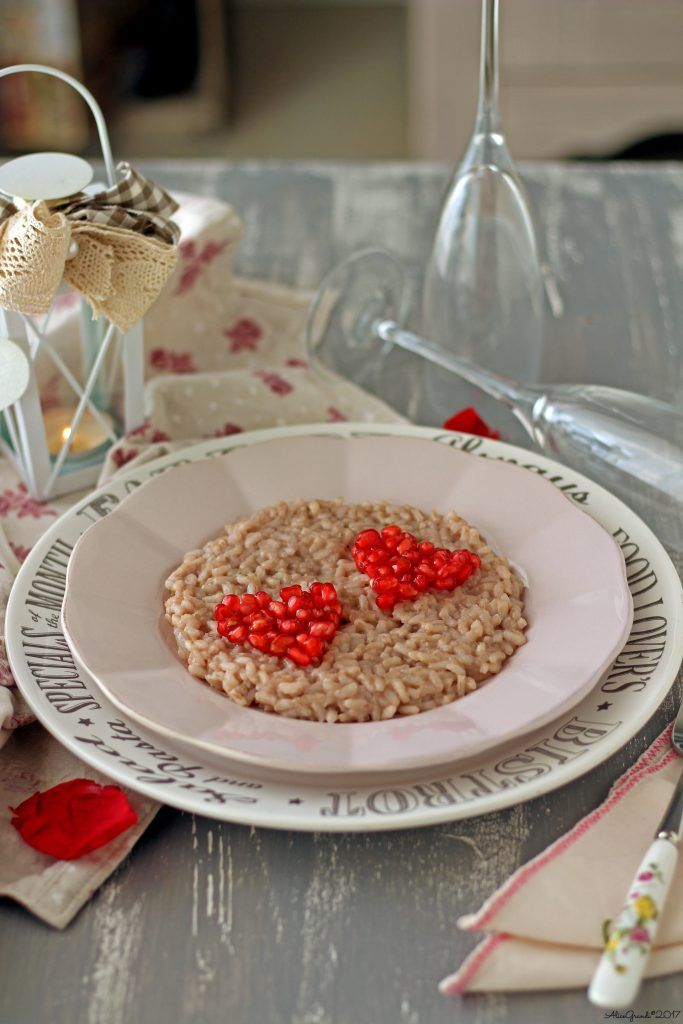 A romantic risotto recipe is perfect for clebrating Valentine's Day and every time you want totreat your significant other.  Next time you're in the mood for it, try this easyyet amazingrisotto:suitable for vegan and gluten free diets,it pairssour pomegranate with nutty tahini for a tasty experience.