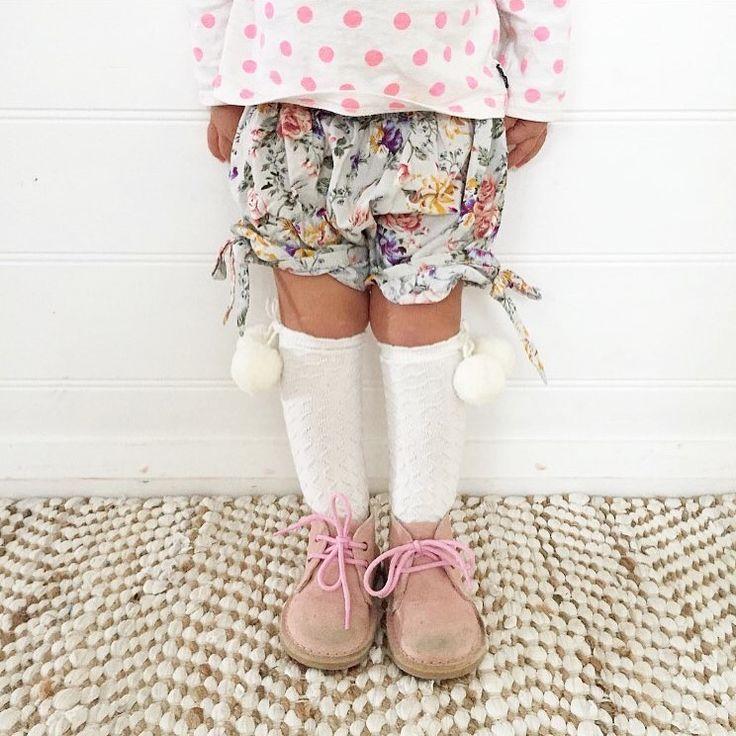 girls pink desert boots from poppeto.com
