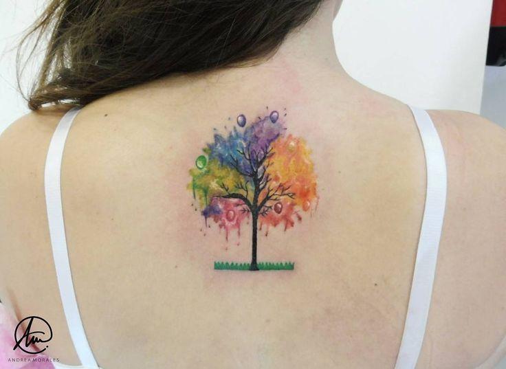 """827 lượt thích, 4 bình luận -  ᴀɴᴅʀᴇᴀ ᴍᴏʀᴀʟᴇs®  (@andrea.m0rales) trên Instagram: """"El primer tatuaje de Ivana; un árbol a toooodo color de estilo acuarela en la zona de la nuca.…"""""""