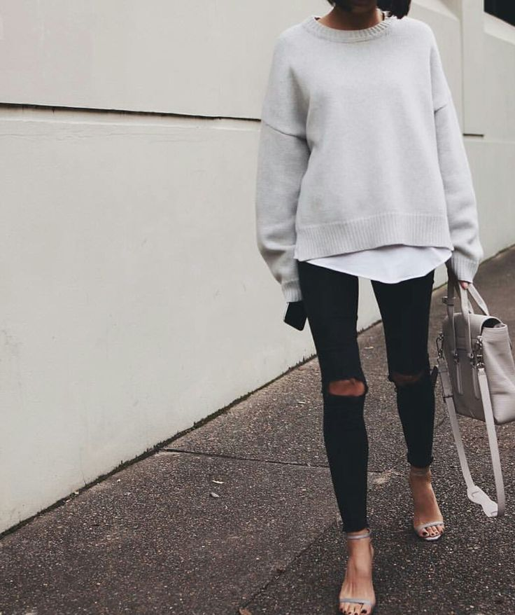 Great outfit with gray oversized sweater