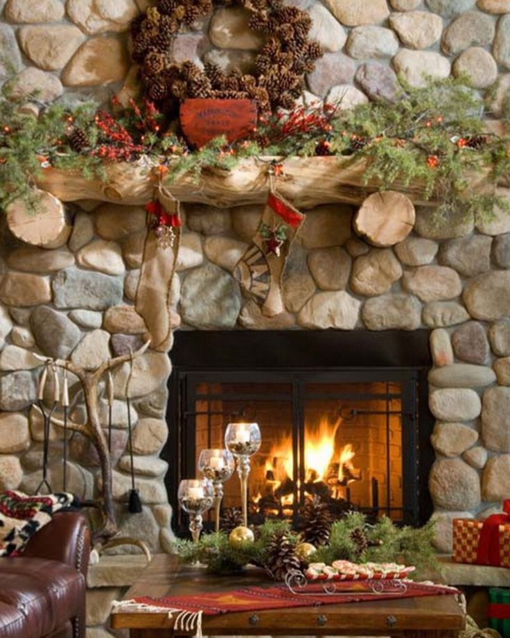 Delightful 20 Gorgeously Decorated Christmas Mantels