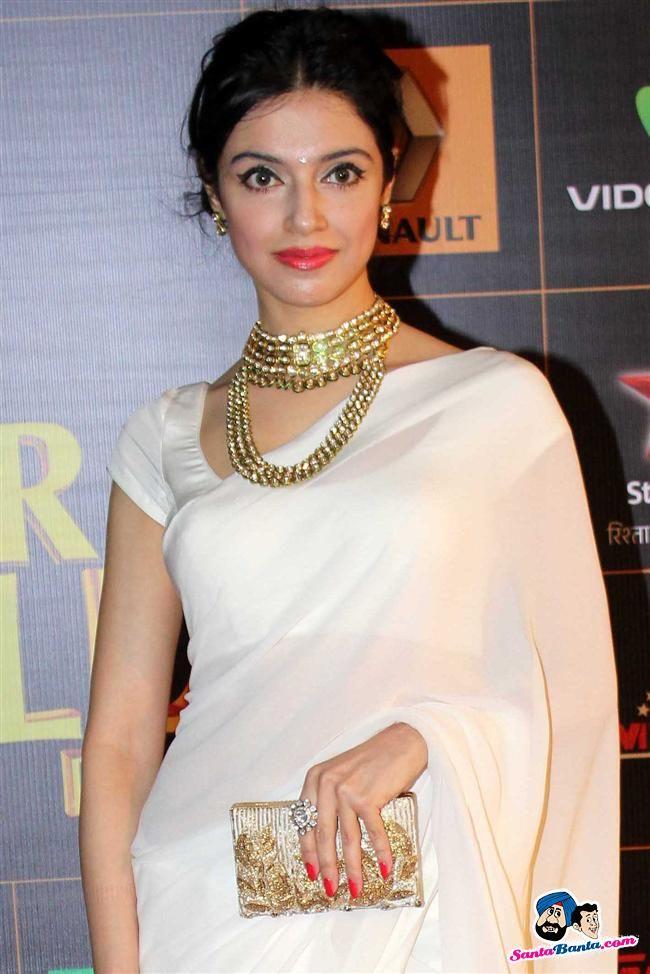 Jan, 14: Director Divya Khosla Kumar at an Awards Function - necklace