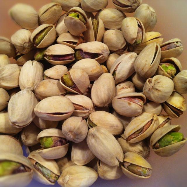 Lowcarb snacks - pistachio nuts